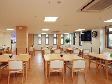 高槻市の有料老親ホームココリ 食堂