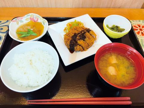 高槻市の有料老親ホームココリ 夕食例01